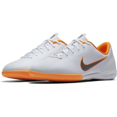Nike Grade-School Kids' Jr. VaporX 12 Academy (IC) Indoor/Court Football Boot