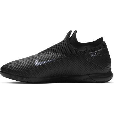 Nike Phantom Vision 2 Academy Dynamic Fit IC Indoor/Court Soccer Shoe