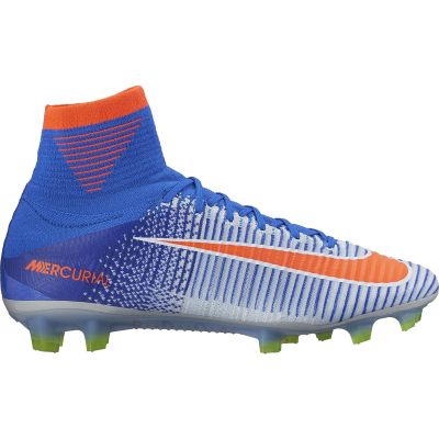 Magnetico Espressamente Fabbricazione  Nike Women's Mercurial Superfly V (FG) Firm-Ground Football Boot
